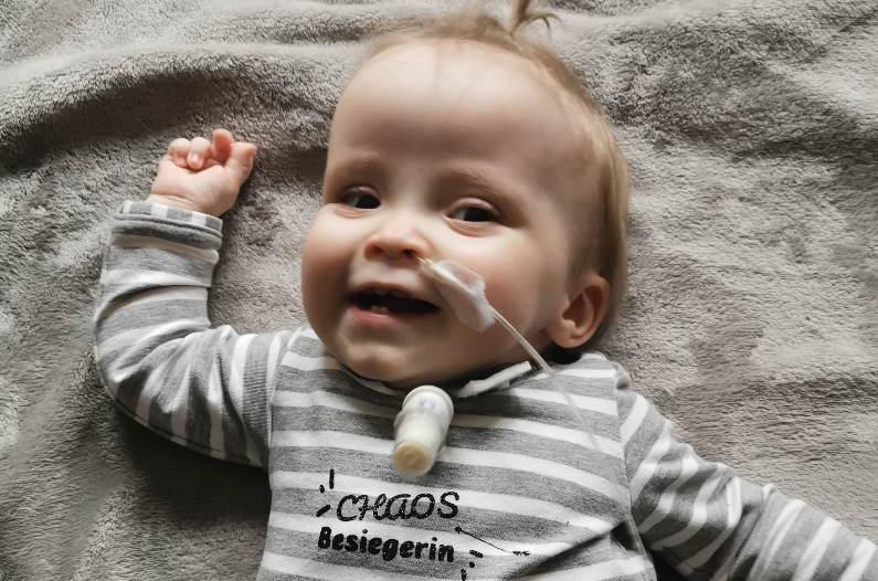 Amalia Chaos Syndrom mit Trachelkanüle und feuchter Nase